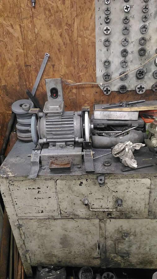 Услуги токарные работы по металлу