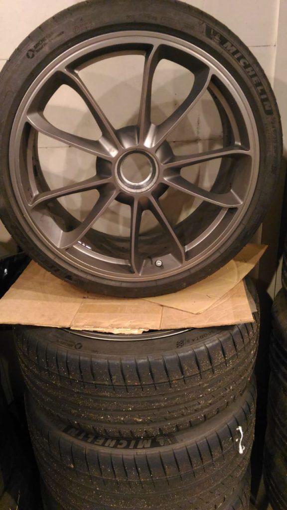 Ремонт колесных дисков Center lock (центр-лок) Porsche 911, GT3